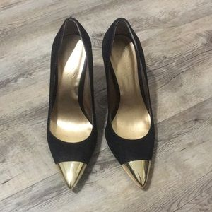 Jessica Simpson Gold toe pumps black suede 7.5